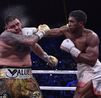 More photos of how Anthony Joshua and Andy Ruiz Fight Amuse The Crowd.