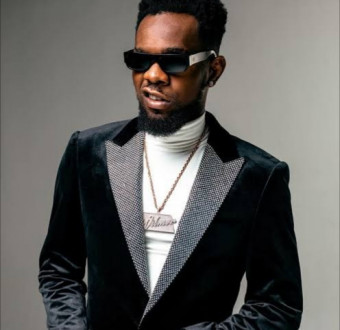It gets personal between pastoranking and Twitter user that criticized Nigerian artistes